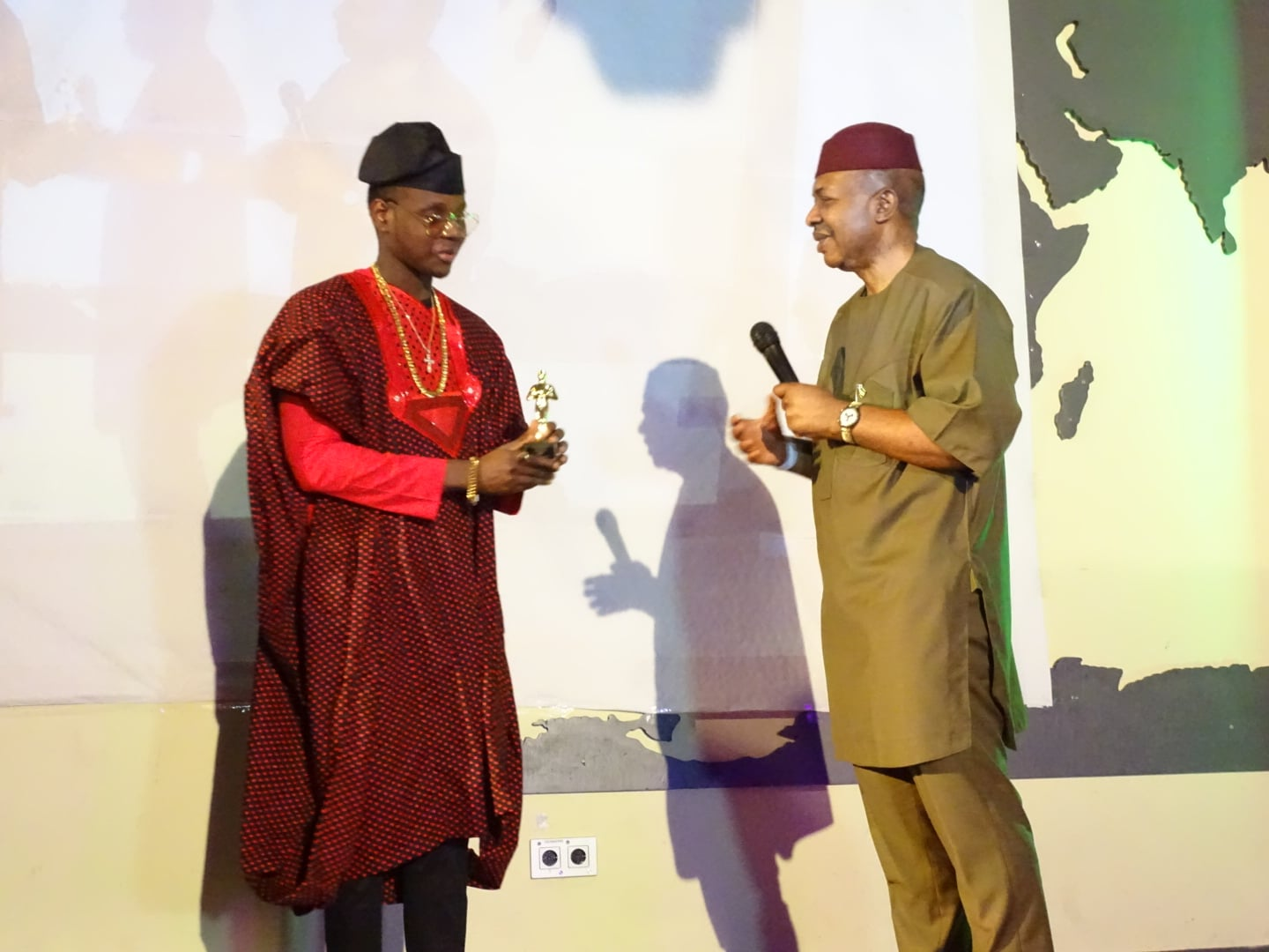 Kiss Daniel   His Excellency CG John Ejinaka - 3